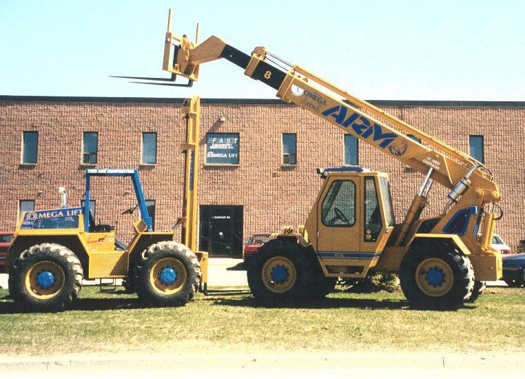 Vertical Mast and Telescopic Handler Fork Lift Truck