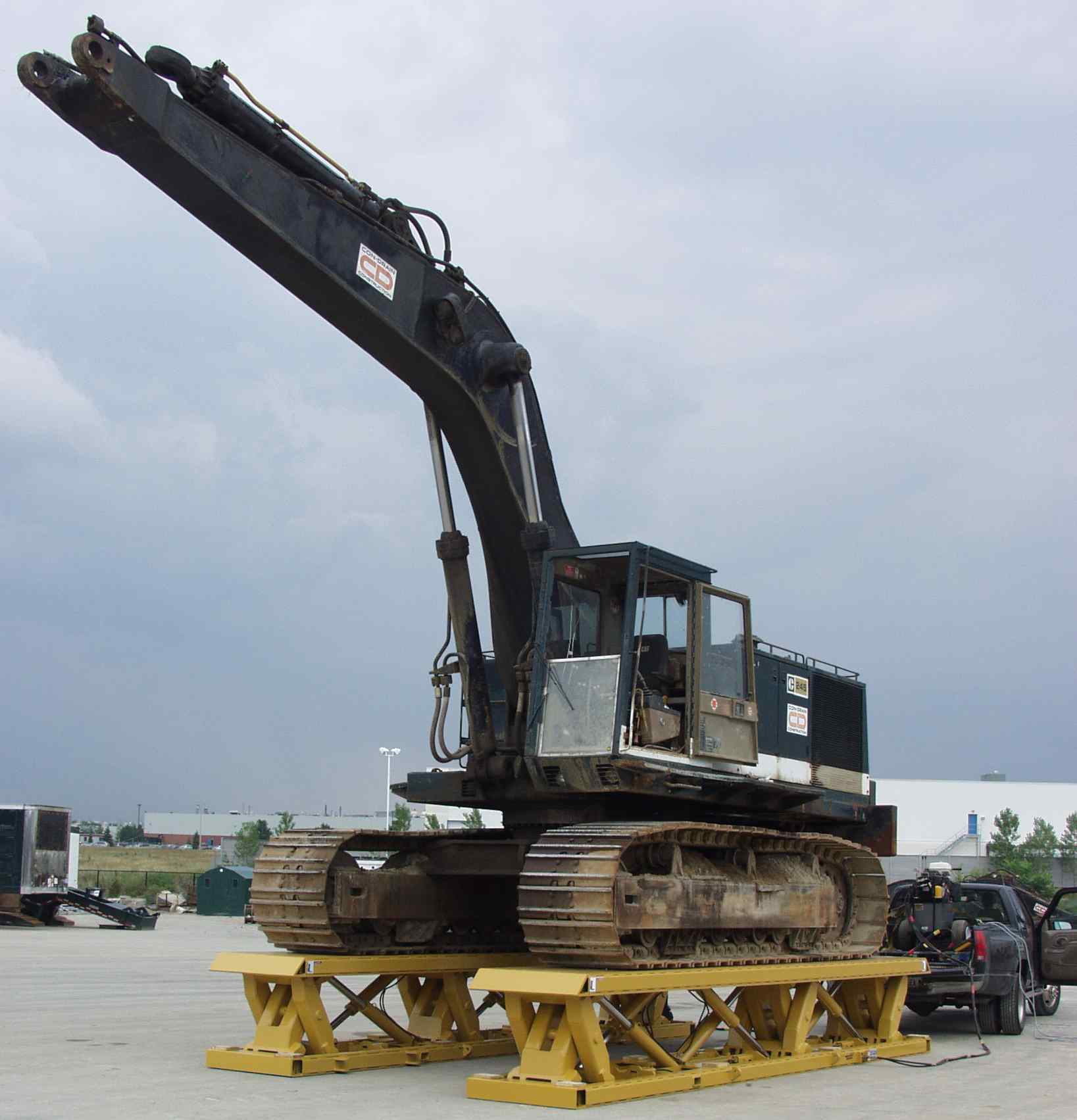 80 Ton Portable Jack for Military Applications