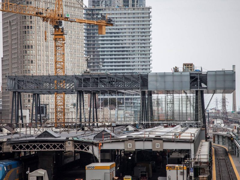 Toronto Union Station Revitalization – Construction of the New Building Above 100 Years Old Steel Roof