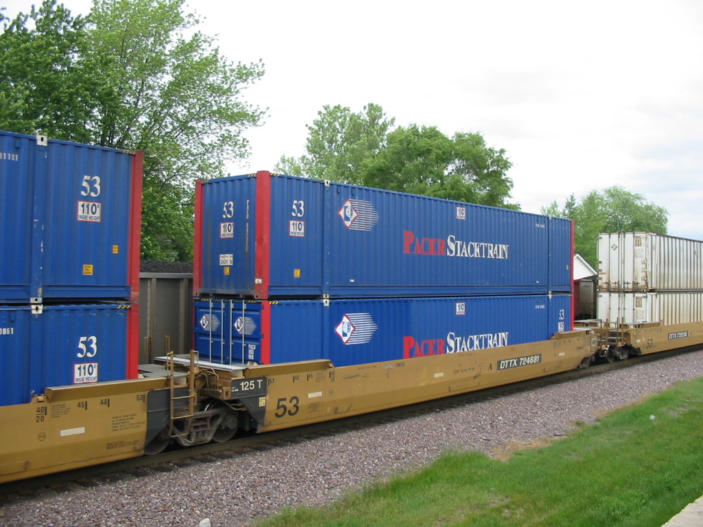 Double Stack Containers Rail Cars